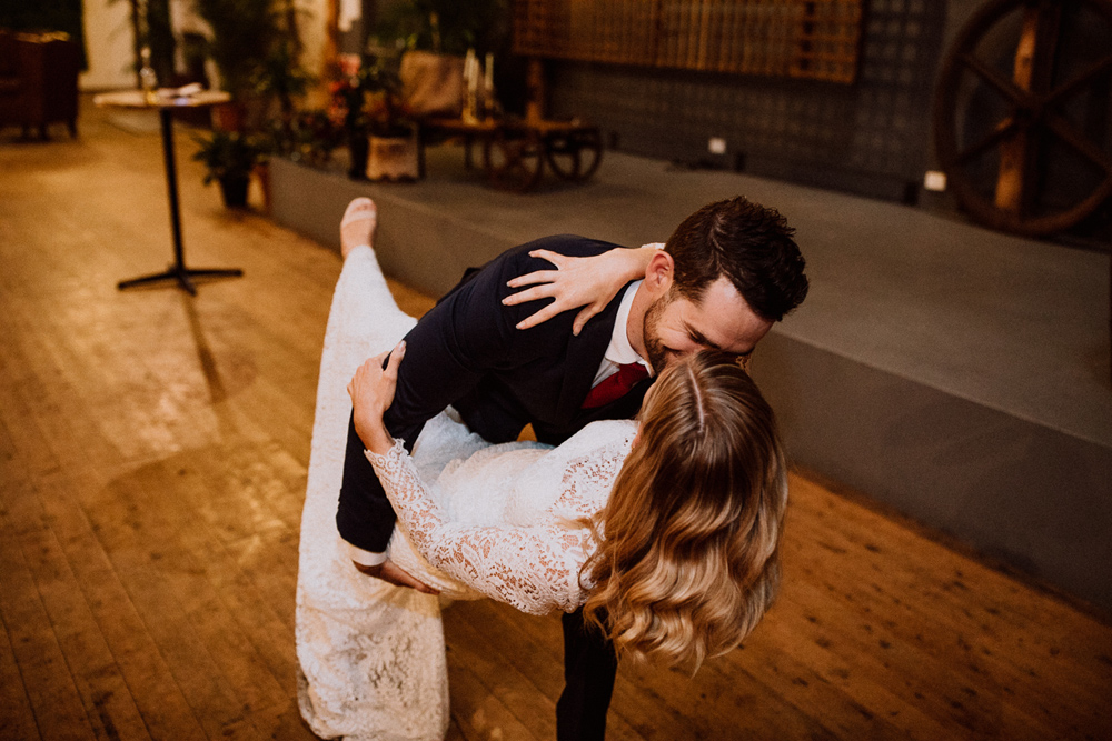 wedding photographer first dance south coast